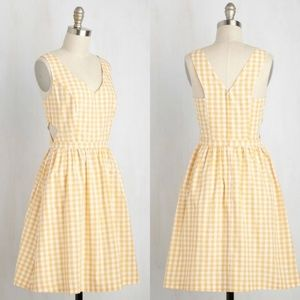 Modcloth | Yellow Gingham Patio My Goodness Dress